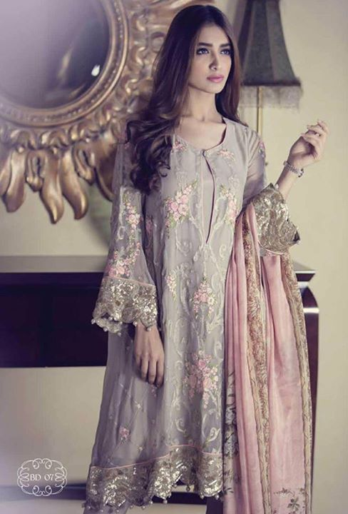 a0be93047eb271 Posted in New CollectionTagged fashion shop pathankot, ladies suits in  pathankot, latest fashion pathankot, suits in pathankot
